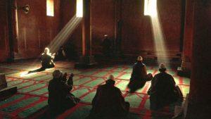 Read more about the article Lima Keutamaan Malam Lailatul Qadar