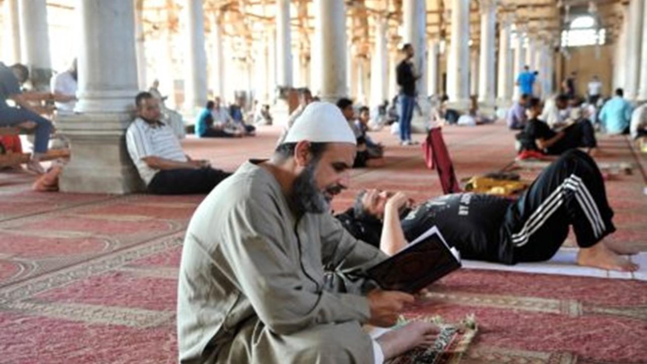 Read more about the article Empat Sifat Orang Bertakwa Ini Disebutkan dalam Al-Quran, Apa Saja?